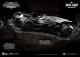 Justice League - socha Master Craft Batmobile 25 cm
