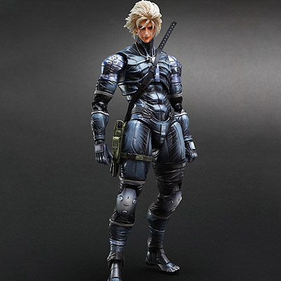 Metal Gear Solid 2 Sons of Liberty - figúrka Play Arts Kai Raiden 28 cm