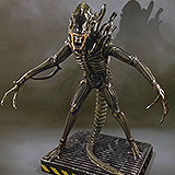 Aliens - socha Alien Warrior 203 cm