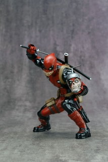 Marvel Comics ARTFX+ - soška Deadpool (Marvel Now) Exclusive 15 cm