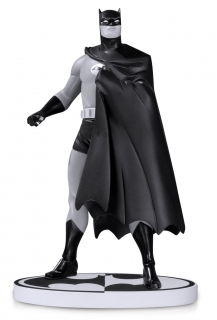 Batman Black & White - soška Batman (Darwyn Cooke) 2nd Edition 18 cm