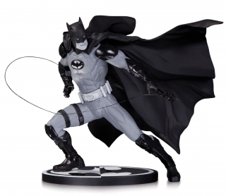Batman Black & White - soška Batman (Ivan Reis) 17 cm