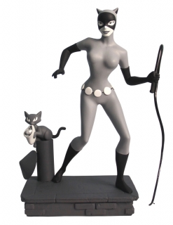 Batman The Animated Series Femme Fatale - soška B & W Catwoman EU Exclus. 23 cm