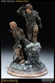 Lord of the Rings - soška Frodo and Samwise 36 cm