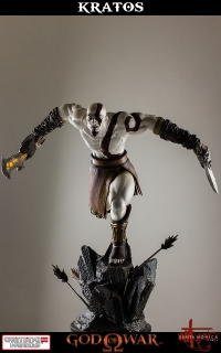 God of War - socha Lunging Kratos 48 cm
