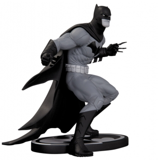 Batman Black & White - soška Batman (Greg Capullo) 21 cm