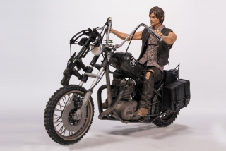 The Walking Dead - figúrka Daryl Dixon with Chopper 13 cm