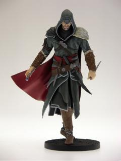 Assassin's Creed Revelations - soška Ezio 22 cm