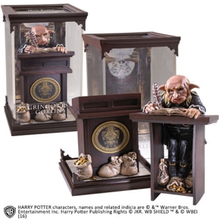 Harry Potter - soška Gringotts Goblin 19 cm