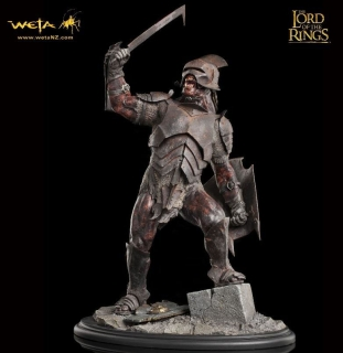 Lord of the Rings - socha Uruk-Hai Swordsman 43 cm