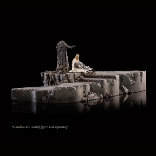 The Hobbit - diorama Dol Guldur The Palantír Courtyard 32 x 24 cm