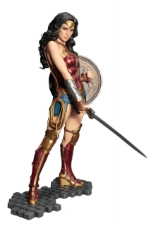 Wonder Woman - soška Wonder Woman 29 cm