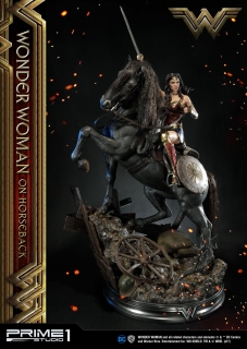 Wonder Woman - socha Wonder Woman on Horseback 138 cm