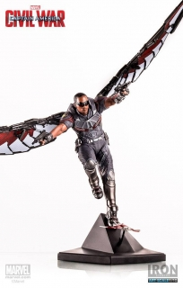 Captain America Civil War - soška Falcon 33 cm